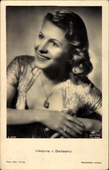 Ak Schauspielerin Viktoria von Ballasko, Portrait, Berlin Film