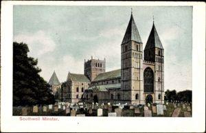 Ak Southwell East Midlands, Blick auf das Münster, Friedhof, Grabsteine