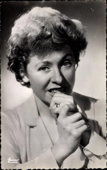 Ak Schauspielerin und Sängerin Patachou, Portrait