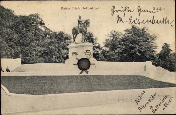 Ak Szczecin Stettin Pommern, Partie am Kaiser Friedrich Reiterdenkmal