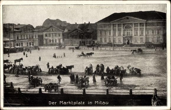 Ak Jelgava Mitau Lettland, Der Marktplatz, Pferdewagen