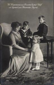 Ak Kronprinzessin von Schweden, Margaret of Connaught, Gustav Adolf, Sigvard, Ingrid