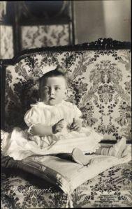 Ak Prinz Lennart von Schweden, Sitzportrait