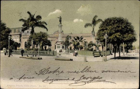 Ak Callao Peru, Plaza Grau, Straßenpartie in der Stadt, Denkmal