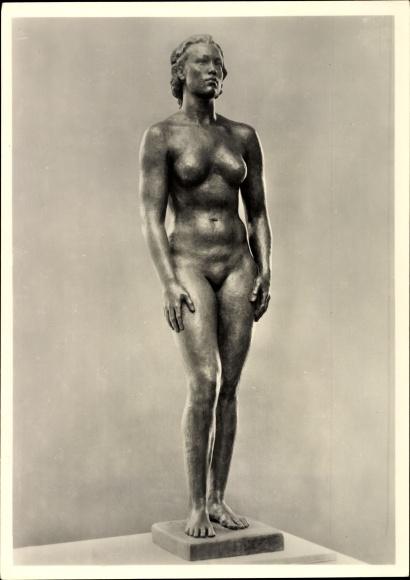 Ak Plastik von Georg Kolbe, Junges Weib, Frauenakt, erschaffen 1938