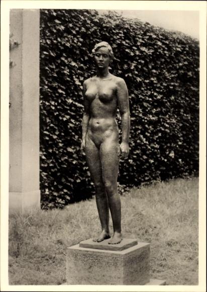 Ak Plastik von Georg Kolbe, Mädchenstatue, Frauenakt, erschaffen 1937