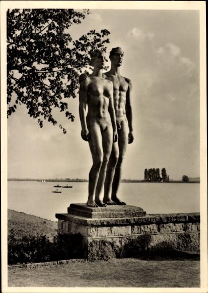 Ak Plastik von Georg Kolbe, Menschenpaar, Hannover, erschaffen 1937