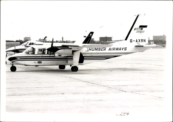 Foto Passagierflugzeug, Humber Airways, G-AXRN, BN-2A Islander-2A-26