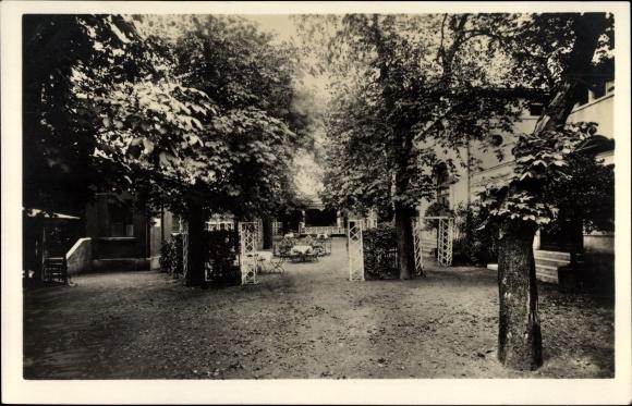Ak Meerane in Sachsen, Härtels Hotel, Bes. K.H. Naunapper, Konzertgarten und Kegelbahnen