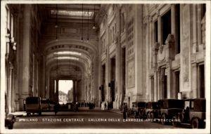 Ak Milano Mailand Lombardia, Stazione Centrale, Galleria delle Carrozze, Hauptbahnhof, Halle
