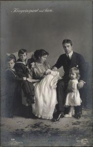 Ak Kronprinzsparet med barn, Gustav Adolf, Margaret of Connaught, Kinder