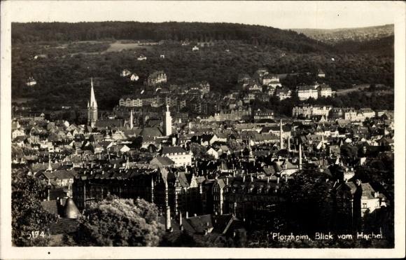 Ak Pforzheim im Schwarzwald Baden Württemberg, Blick vom Hachel über die Stadt, Kirchturm
