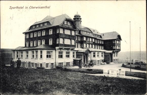 Ak Oberwiesenthal im Erzgebirge Sachsen, Blick auf das Sporthotel