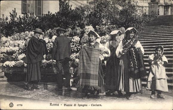 Ak Roma Rom Lazio, Piazza di Spagna, Ciociare, Frauen in Volkstrachten