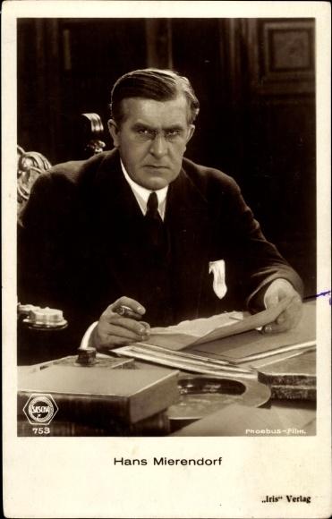 Ak Schauspieler Hans Mierendorf, Portrait, Zigarre rauchend, Amag