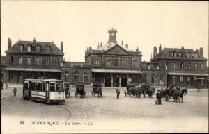 Ak Dunkerque Nord, La Gare, Blick auf den Bahnhof, Straßenseite, Straßenbahn 32