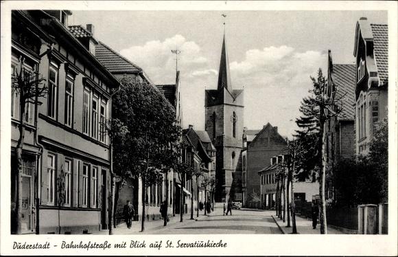 Ak Duderstadt Eichsfeld Niedersachsen, Bahnhofstraße mit Blick auf St. Servatiuskirche