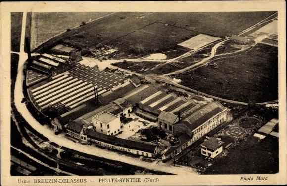 Ak Petite Synthe Nord, Usine Breuzin Delassus, Blick auf eine Fabrik von oben
