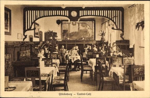 Ak Glücksburg in Schleswig Holstein, Central Café, Innenansicht