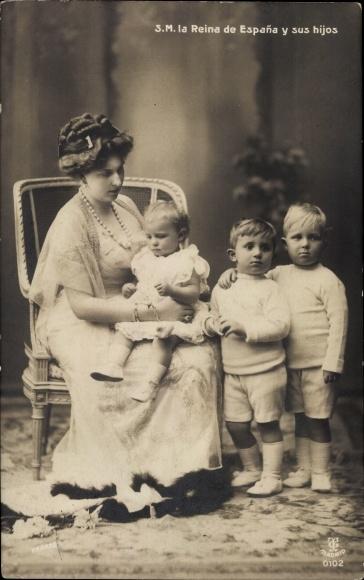 Ak SM la Reina de Espana y sus hijos, Victoria Eugénie von Battenberg, Königin von Spanien