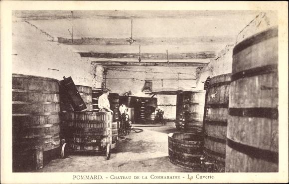 Ak Pommard Côte d'Or, Château de la Commaraine, La Cuverie, Fässer