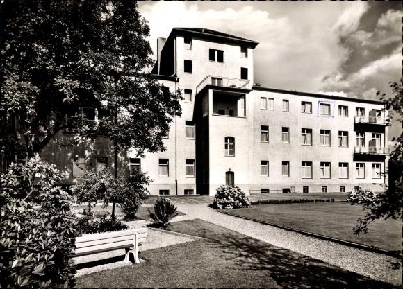 Ak Korschenbroich in Nordrhein Westfalen, Elisabeth Krankenhaus, Gartenansicht
