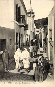 Ak Tunis Tunesien, Rue des Teinturiers, Straßenansicht, Passanten, Levy & Fils 7