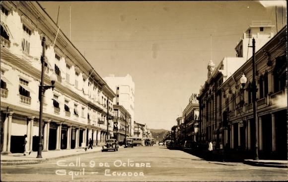 Foto Ak Guayaquil Ecuador, Calle 9 de Octubre, Straßenpartie in der Stadt