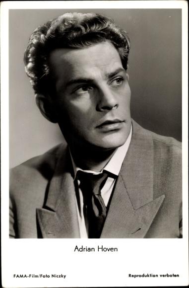 Ak Schauspieler Adrian Hoven, Portrait aus dem Film Dr. Holl