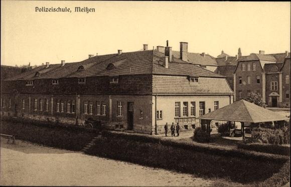 Ak Meißen in Sachsen, Blick auf die Polizeischule