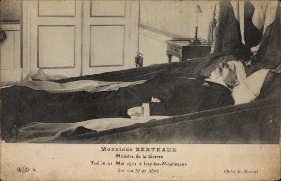 Ak Monsieur Berteaux, Ministre de la Guerre, Tué le 21 Mai 1911 à Issy les Moulineaux, Lit de Mort