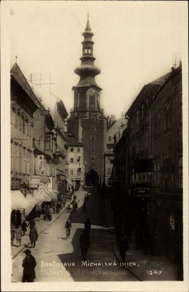 Ak Bratislava Pressburg Slowakei, Michalska Ulica, Partie am Michaelertor, Geschäft J. Winawer