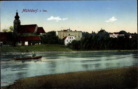 Ak Mühldorf am Inn Bayerisches Alpenvorland, Partie an der Inn mit Blick auf den Ort, Ruderboot