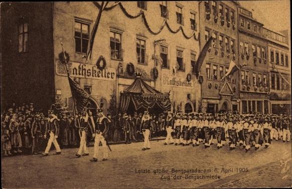 Ak Freiberg im Kreis Mittelsachsen, Letzte große Bergparade am 06. April 1905, Zug der Bergschmiede