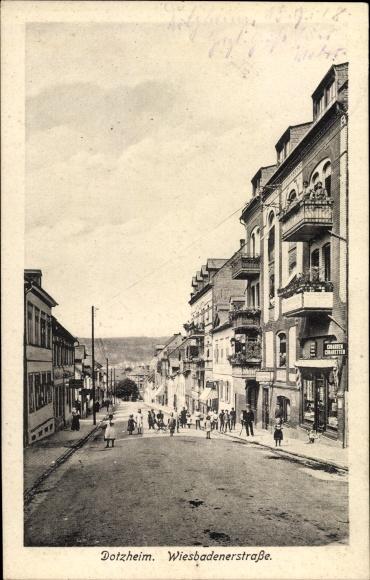 Ak Dotzheim Wiesbaden in Hessen, Partie in der Wiesbadener Straße, Tabakladen