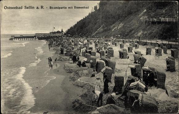 Ak Ostseebad Sellin auf Rügen, Partie am Strand, Strandkörbe, Meer, Damenbad