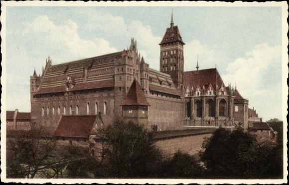 Ak Malbork Marienburg Westpreußen, Blick auf das Schloss von Südosten