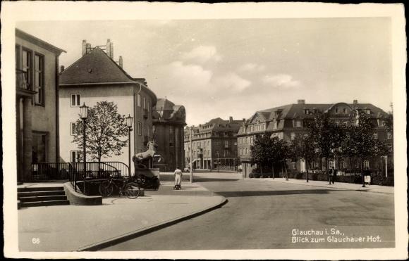 Ak Glauchau an der Zwickauer Mulde in Sachsen, Glauchauer Hof, Straßenpartie