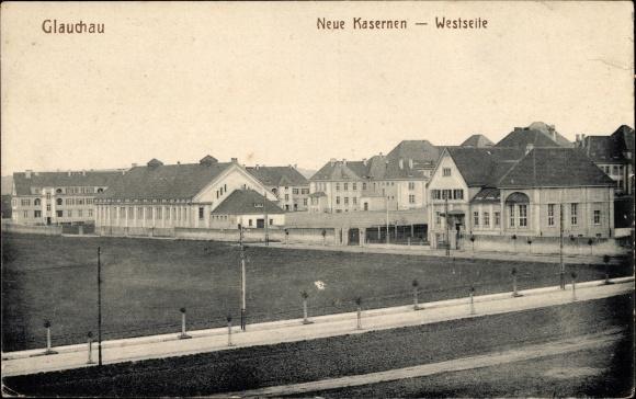Ak Glauchau an der Zwickauer Mulde in Sachsen, Blick auf die neuen Kasernen