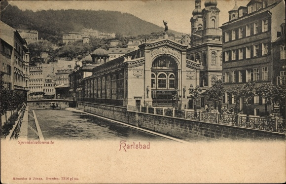 Ak Karlovy Vary Karlsbad Stadt, Blick auf die Sprudelkolonnade