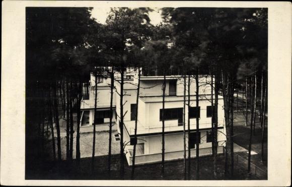 Ak Dessau, Walter Gropius, Doppelwohnhaus der Bauhaus Meistersiedlung 1925/26, Foto Lucia Moholy