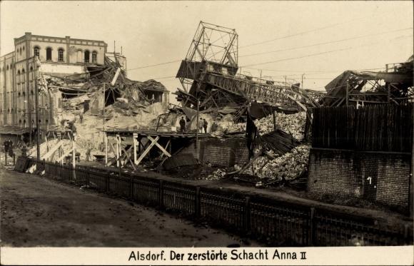 Foto Ak Alsdorf NRW, Der zerstörte Schacht Anna II.