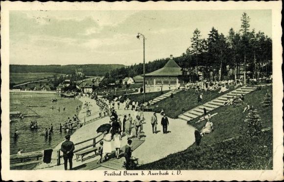 Ak Brunn Auerbach im Vogtland, Badegäste im Freibad, Gemeindebad