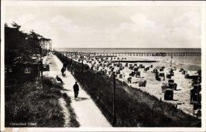 Ak Graal Müritz im Kreis Rostock, Blick auf den Strand, Strandkörbe