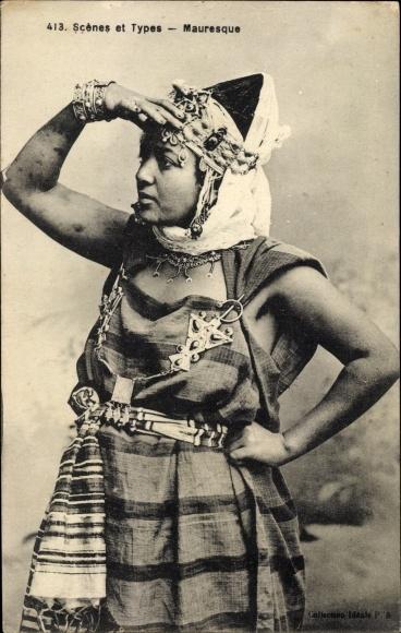 Ak Scenes et Types, Mauresque, Portrait einer Frau in Volkstracht, Maghreb