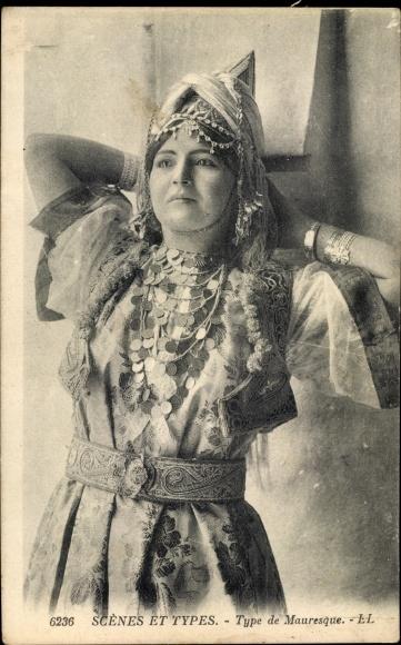 Ak Scenes et Types, Type de Mauresque, Portrait einer Araberin, Kopfschmuck, Maghreb