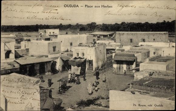 Ak Oudjda Oujda Marokko, Vue de la Place aux Herbes