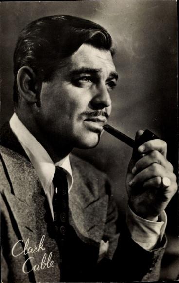 Ak Schauspieler Clark Gable, Portrait mit Pfeife, Vom Winde verweht