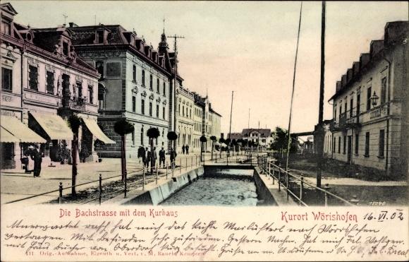 Ak Bad Wörishofen im schwäbischen Kreis Unterallgäu, Bachstraße mit dem Kurhaus