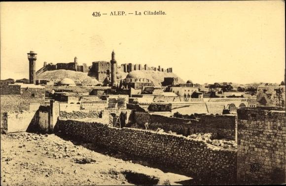 Ak Alep Aleppo Syrien, La Citadelle, Zitadelle, Teilansicht der Stadt